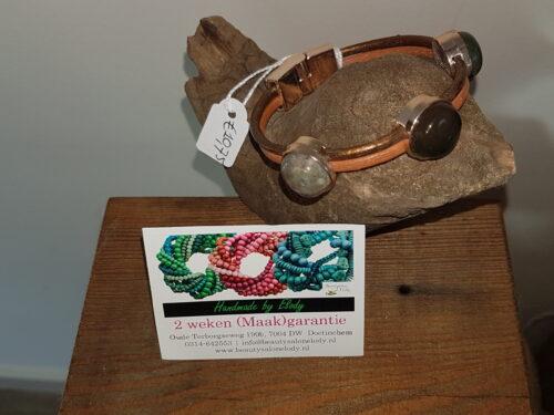 Leren armband met cabouchons